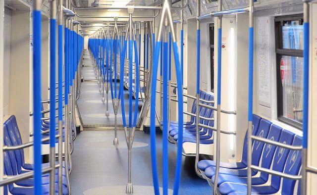 Транспортный блог Saroavto: Москва: Вертикальные поручни убрали в поездах метр...