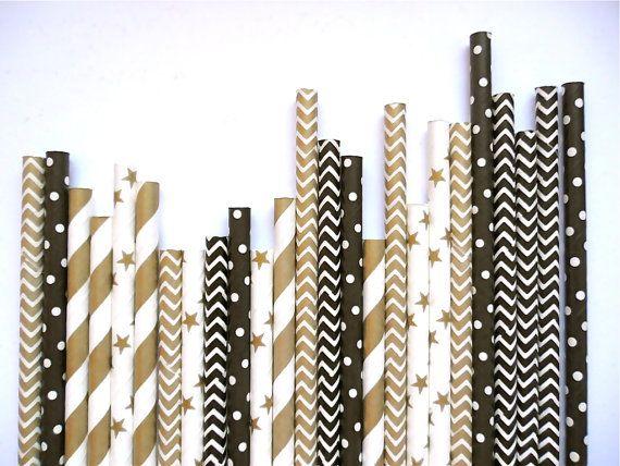 Blijf stijlvol en koel met deze set van zwart en goud papieren rietjes! Deze zijn groot voor het komende nieuwe jaar partijen en Hollywood of zilveren scherm themas! Laat ze uit in een mason jar voor schattige decoratie rond het huis :)  UW AANKOOP BEVAT EEN MIX VAN: • Gouden Metallic Chevron • Gouden Metallic sterren • Solide zwart witte stippen • Black Chevron • Goud Metallic strepen  STRO FEITEN • Gebruikt voor dranken, cake pops, ambachten, en om te sparren omhoog uw bar van de…