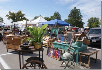SPRINGFIELD FLEA MARKET, Springfield, Ohio, 3rd Saturday and Sunday all months except June, July and December.  May and September there is extravangaza weekends and has the most vendors.  September is when you get the best deals. Vendors are closing inventory out for the winter.  Saturday 8-5 and Sunday 9-4.  Over 2000 dealers.
