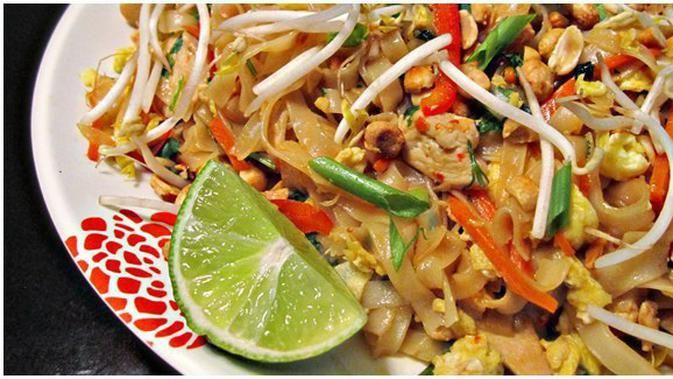 Resep Pad Thai Ayam Khas Thailand Resep Masakan Asia Resep Makanan Resep Ayam