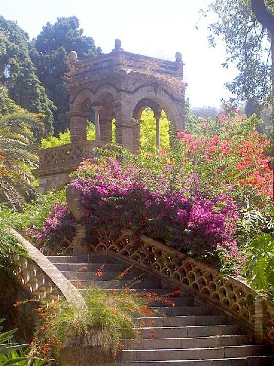 Taormina garden gazebo; Sicily