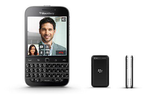 BlackBerry Classic - Špičkový smartphone s QWERTY klávesnicou s OS BlackBerry 10.3.1. Má špeciálnu optimalizáciu spotreby energie v batérii, vďaka čomu vydrží na jedno nabitie pri pravidelnom používaní až 22 hodín. Vo výbave nechýba 3.5-palcový displej, rozlíšenie 720 x 720 pixelov (294 ppi), 8 Mpx/2 Mpx fotoaparát, dvoj-jadrový procesor Snapdragon s 1.5 GHz frekvenciou (Krait), grafický procesor Adreno 225, optický 'trackpad', 2 GB operačná pamäť a 16 GB internej pamäte s možnosťou ...