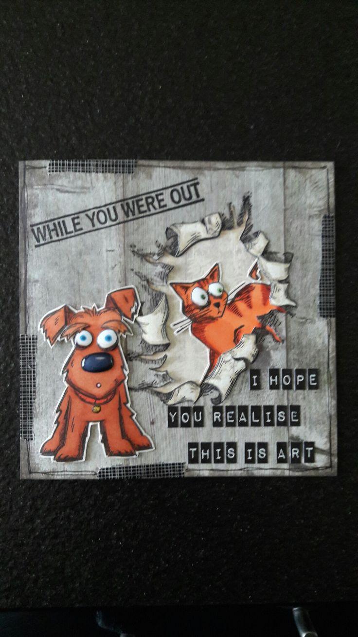 Kaart met stempels Crazy Cat & Crazy Dog van Tim Holtz, stempel Katzelkraft op de achtergrond. Gemaakt door Diana.