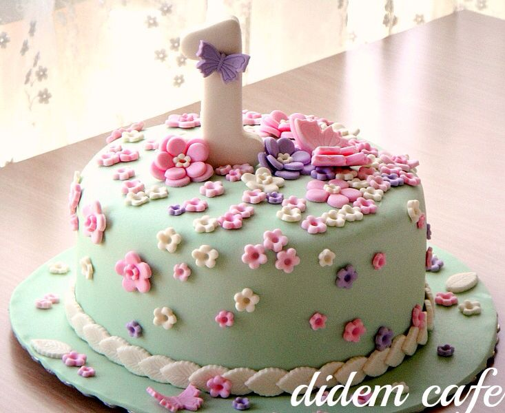 www.didemcafe.com Vintage birthday cake / 1 yas doğum günu pastası