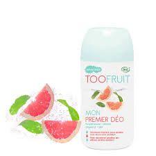 TooFruit Mijn Eerste Deodorant. Frisse natuurlijke deodorant geschikt voor de normale en gevoelige huid. Bevat GEEN alcohol en is aluminium vrij. Ontwikkeld voor jongens en meisjes, met een frisse grapefruit/munt geur. Heeft anti-bacteriele eigenschappen wat onfrisse geurtjes tegengaat en bevat bamboe extract om overtollig zweet te absorberen. TooFruit: Natuurlijke en biologische huidverzorging voor kinderen.