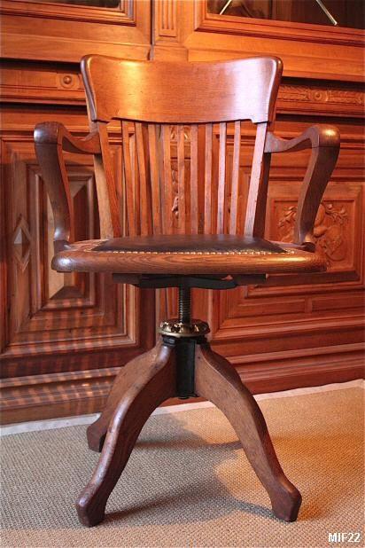 1000 id es sur le th me fauteuil de bureau cuir sur pinterest for Fauteuil de bureau en bois pivotant