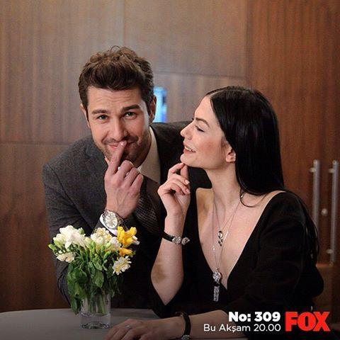 Bugün günlerden #No309 olunca biz!  20.00'de FOX'tayız. @foxturkiye   #sendegelFOXa #FOX #FOXTurkiye #yenibölüm #çarşamba #buakşam #dizi #demetözdemir #furkanpalalı