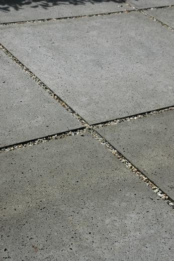 grind tussen tegels