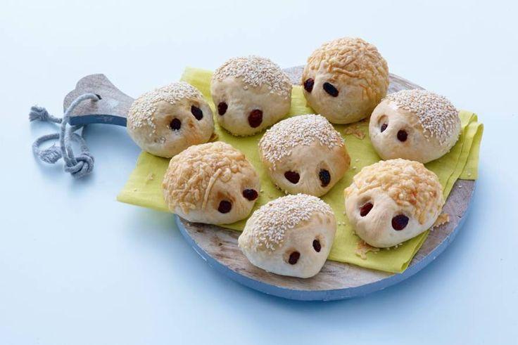 Stroop de mouwen maar alvast op want bakken met de kids wordt een feest met deze broodfiguurtjes. - recept - Allerhande