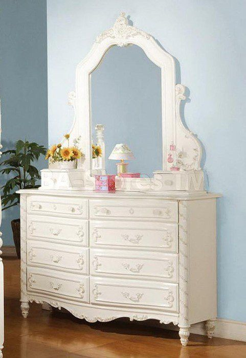 Pearl Dresser 01020 $492  Description :  The Pearl youth romance bedroom collection reflects princess style on all things. The collection features pearl white finish on the sleigh bed with decorative carving throughout. It also emphasizes the complementary bow front decorative carvings on all cases. All princesses would love the elegance and styling found in this collection.  Features :  Pearl White Gold Accent Finish Felt Lined Top Drawer Dovetail French Front English Back Center Me