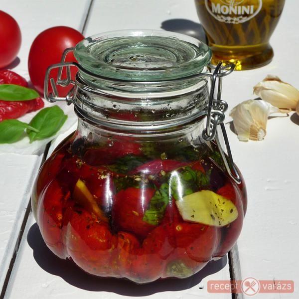 Aszalt paradicsom fűszeres olajban (KIPRÓBÁLNI!!)