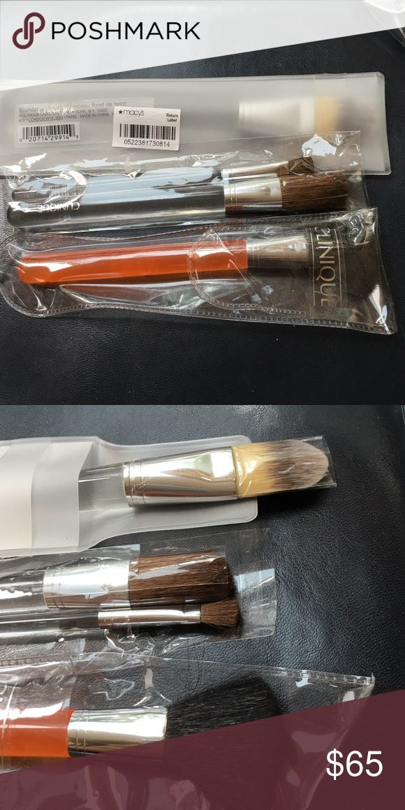 Clinique make up brushes.  4 pc set. NEW Clinique make up brushes. 4 pc bundle. NEW Clinique Makeup