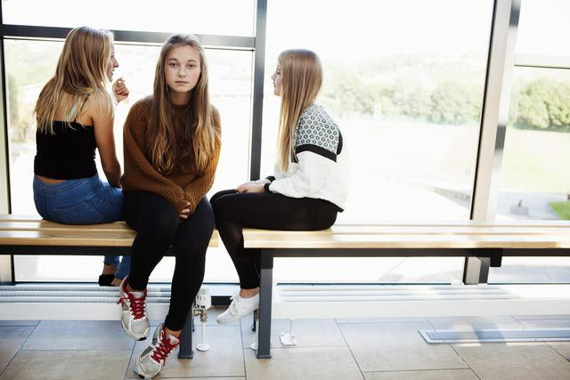 8 Signs of Fake Friends (And How to Avoid Them) Fake Friends Teaching your child how to identify fake friends and avoid bullying (This is great advice for adults, too. There are adult bullies, as well)