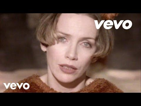 (4) Annie Lennox - A Whiter Shade of Pale - YouTube