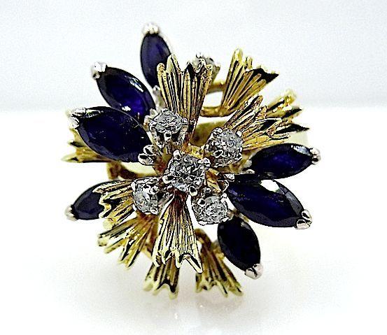 Bague en forme de fleur avec saphirs et diamants