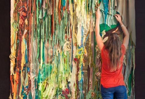 Obras que cobijan: el arte textil de Maite Izquierdo | Witty