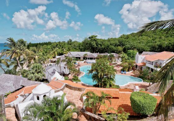 Couples invited to experience Windjammer Landing Resort before booking destination wedding