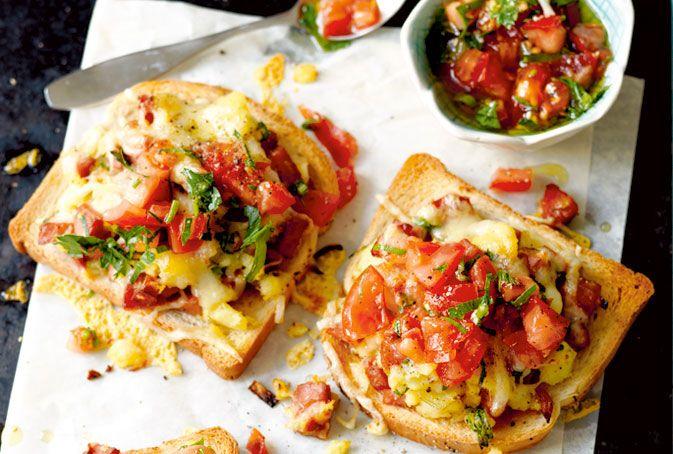 Varma mackor med kryddig korv och tomatsalsa – Allt om Mat