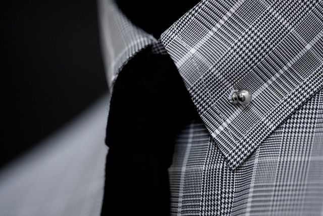 I want this, if anyone can share any info on the pin please let me know. Thanks. Like a cufflink for an oxford shirt: Collars Pin, Men Style, Ties, Black White, Men Fashion, Plaid Shirts, Collars Bar, Oxfords Shirts, Men Wear