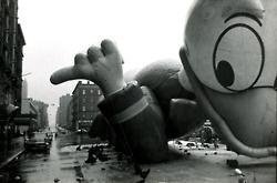 Duck Down!: Donald O'Connor, Donald Ducks, Vintage Photographers, Susan Mccartney, Balloons, Macy'S Balloon, Macys Thanksgiving, Macys Balloon, Mccartney 1964
