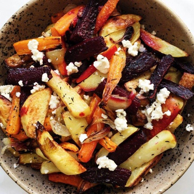 Bagte rodfrugter smager skønt, hvis det tilberedes rigtigt. Denne opskrift på bagte rodfrugter er utrolig nem, og smager godt hver eneste gang!