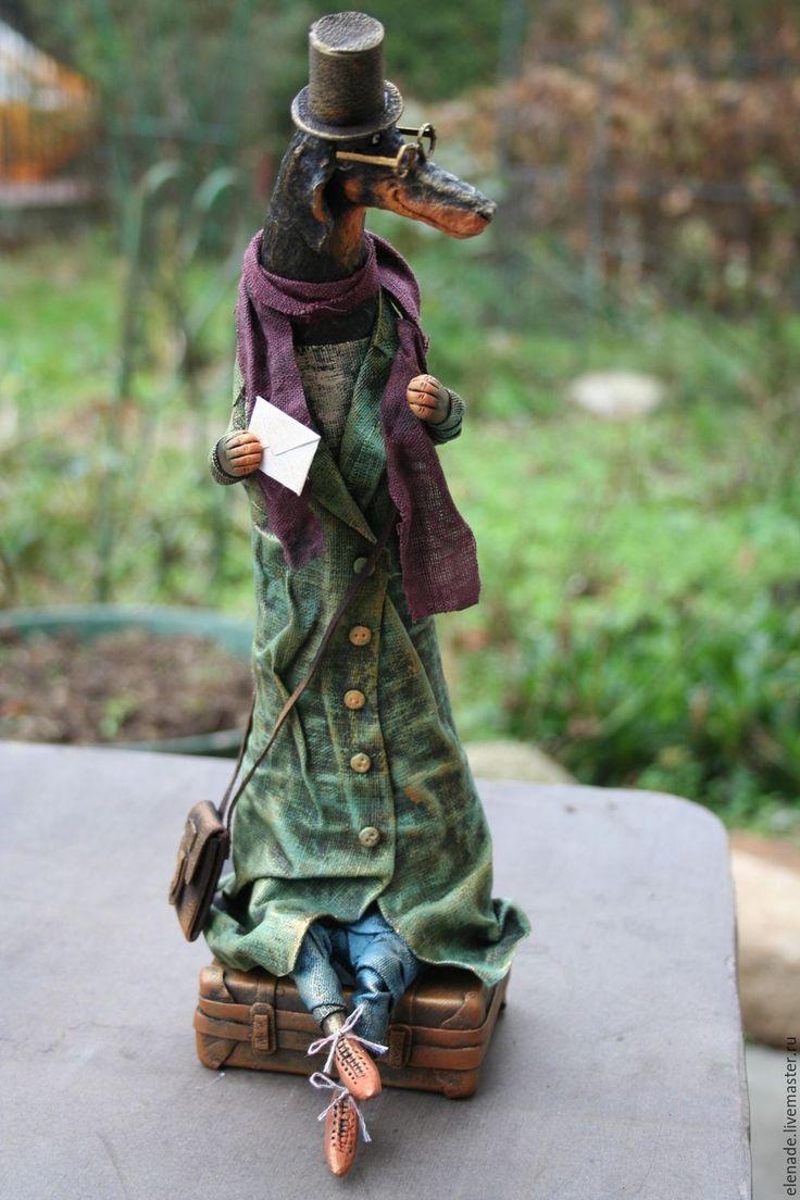 """Купить авторская кукла  """"Такса c чемоданом"""". - зеленый, такса в пальто, авторская кукла такса"""