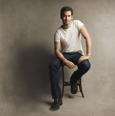 simple can be good - bring options!  I normally prefer that guys wear jeans.  Lets face it  - guy's legs are not that sexy.  Generally they are white and pasty.  White stickly legs in this picture would certainly have brought this down a few notches.