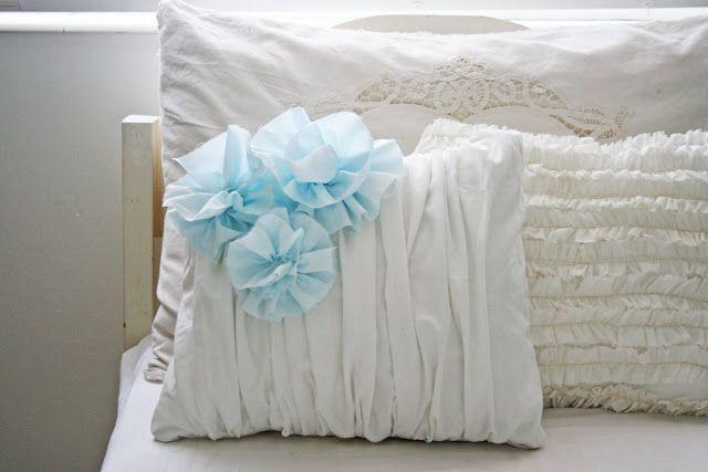 Best 25 Ruffle Pillow Ideas On Pinterest Throw Pillow
