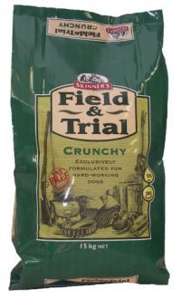 £17.96 - Field & Trial Crunchy contains easily digestible chicken needed for strong muscles, teeth and   bones. Specially formulated to meet the needs of all breeds of working dogs with moderate to   high energy requirements.