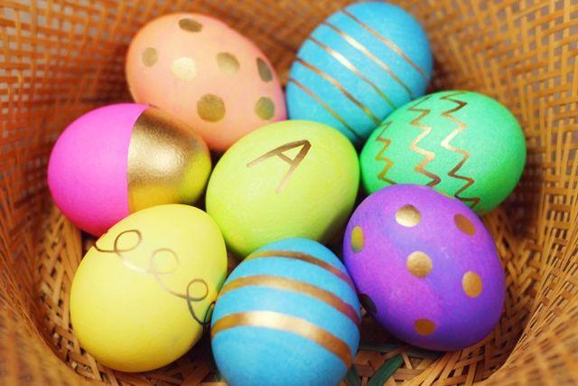 Blog post: Metallic Easter Egg Decorating http://allisonanderson.com