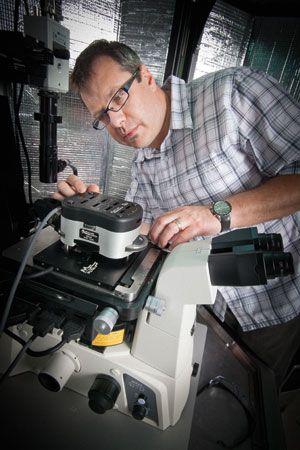 New Membrane Research Takes Shape IIT Magazine | Fall 2012 |  http://iit.edu/magazine/fall_2012/article_7.shtml#top
