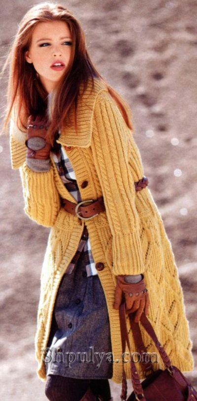 Пальто с узором из ромбов, вязаное спицами
