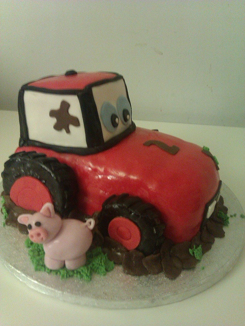 Tractor cake by morellobakery, via Flickr