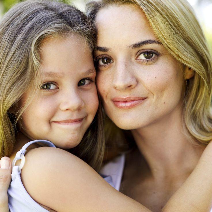 """Ενημερωθείτε και δωρίστε τα μαλλιά σας στο Hope for Hair της Bergmann Kord σε συνεργασία με το """"Άλμα Ζωής"""" http://www.hos2.gr/hair-for-hope/"""