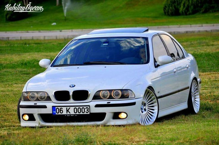 BMW E39 5 series white