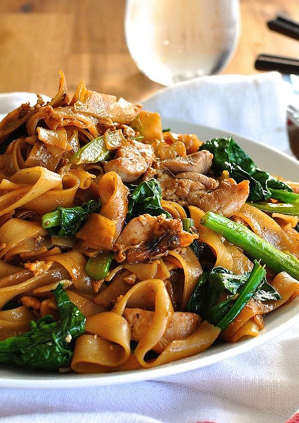 Thai Pad See Ew | 17 Insanely Delicious Stir-Fry Noodles That'll Only Take 15 Minutes