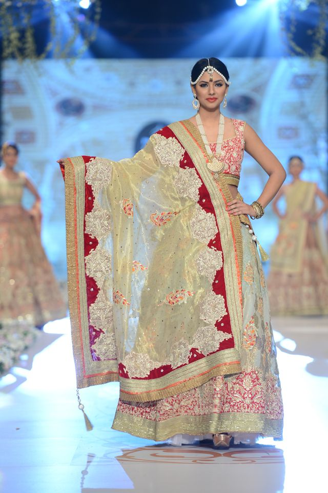 Deepak Perwani Bridal Collection at PBCW 2014
