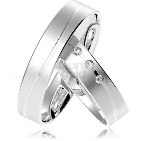 svadobné obrúčky - 845 Tieto svadobné obrúčky vyberáme z kolekcie Light+. Tento pár obrúčok sa vyznačuje jemným dizajnom cenovou dostupnosťou v našej štandardnej vysokej kvalite vyhotovenia. #wedding #rings #exhibition #instalike #instagood #sperky #obrucky #2016 #svadba #wedding #slovensko #lauragold #goldsmith