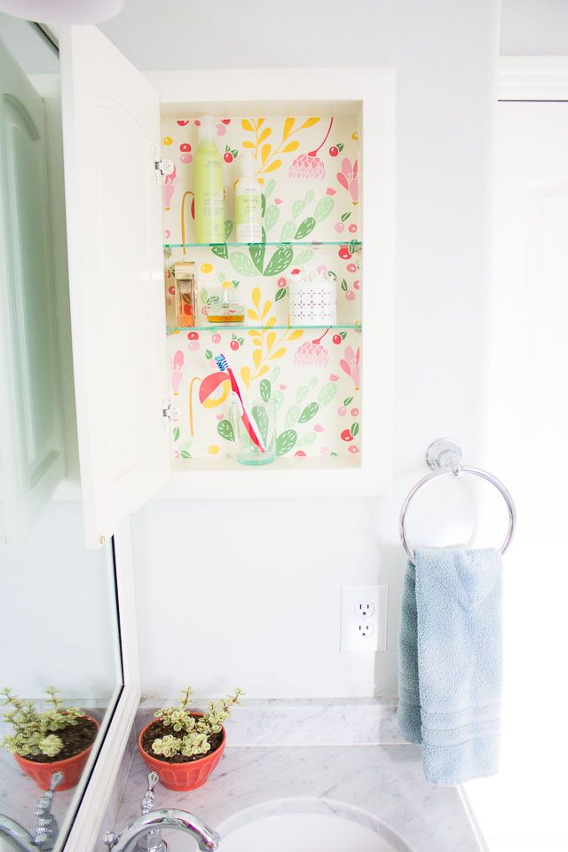 Makeover a medicine cabinet with peel and stick wallpaper. 1000  ideas about Medicine Cabinet Makeovers on Pinterest   Small