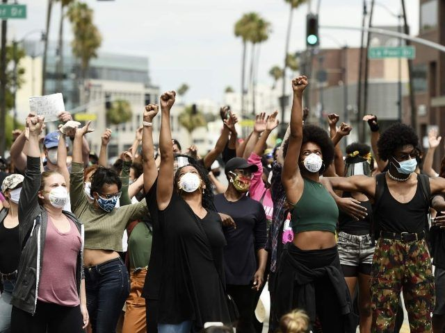 Blm Protesters Storm Beverly Hills Neighborhood Eat The Rich Black Lives Matter Movement Black Lives Black Lives Matter Protest