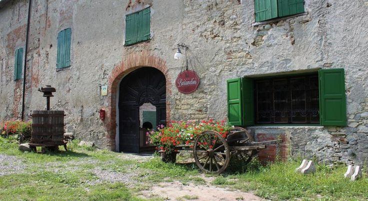 Το χωριό Βορμίδα στην βόρεια Ιταλία είναι ένα απομονωμένο μεσαιωνικό χωριό στο οποίο κατοικούν λιγότεροι από 394 άνθρωποι. Οι νέοι έχουν φύγει προς τα μεγάλα αστικά κέντρα για ανεύρεση εργασίας και ...