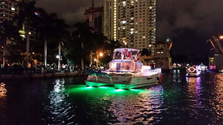 Lagoon power 43 at Winterfest boat parade Christmas lights New River Ft. Lauderdale boats caroline.laviolette@catamarans.com