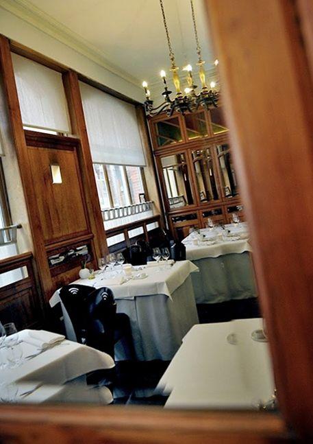 Beluga  Om de visserij te redden gaan we Pieterkes eten bij Beluga In Leuven. Nomadandvillager.com