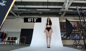 29χρονη Ρωσίδα λέει ότι έχει τα ψηλότερα πόδια στον κόσμο (PicsVid)   Η νεαρή Ekaterina Lisina από τη πόλη Penza της Ρωσία ισχυρίζεται ότι έχει τα ψηλότερα πόδια στον κόσμο ενώ έχει ήδη κάνει αίτηση στο  from Ροή http://ift.tt/2tvxEDG Ροή
