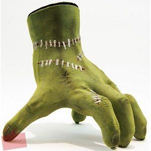 Découvrez la main robotique de zombie qui réagira aux sons émis. Elle marche toute seule et ressemble à La Chose de La Famille Addams ! Idéal pour halloween