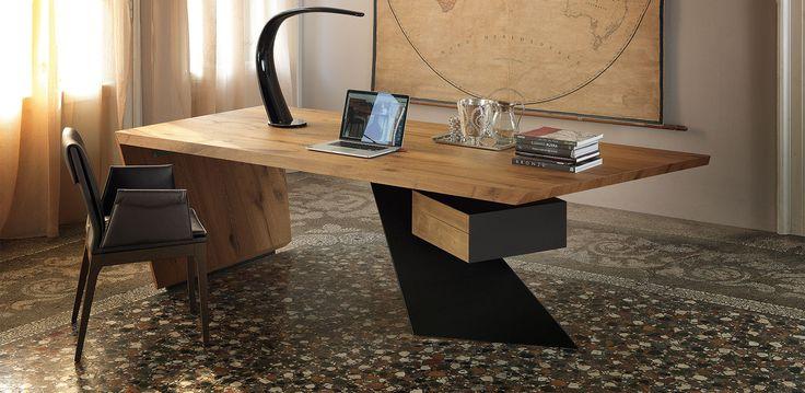 Cattelan Italia Nasdaq desk by Paolo Cattelan