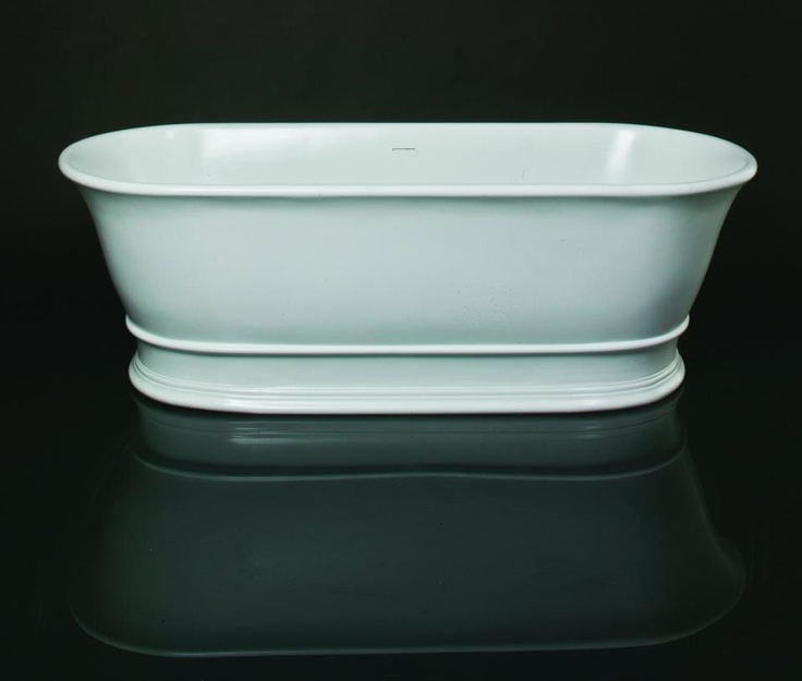 The delicate yet distinctive roll-top detail of the Aurelius Bath belies the sturdy quality of its construction. Reminiscent of ancient Rome, it recalls images of colossal columns and statues of rarest alabaster. www.sinkandtap.com.au