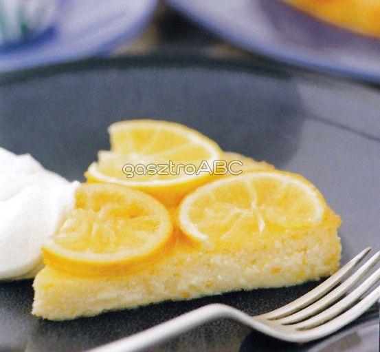 Narancsos túrótorta karamellizált citromkarikákkal | Receptek