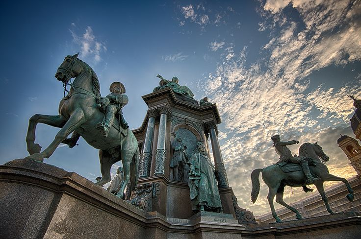 #MariaTheresienPlatz #Vienna #Austria #Europe #Statue #Wideangle #Travel Website for more www.julianluskin.com