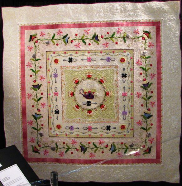 I still have way too many pictures of quilts from the Houston Quilt Festival to let them go to waste.  So we'll see how many we can cram into one blog.  And if there are leftovers, I'll…